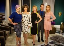 "JOAN COLLINS - KATHY GRIFFIN - 10"" x 8"" Colour Photo FASHION POLICE 2015 #00397"