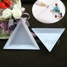 2Pcs Nail Art Stud Storage Display Plate Empty Triangular Plastic Plate Manicure