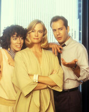 Moonlighting [Cast] (48397) 8x10 Photo