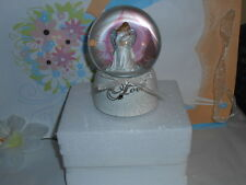 """Angel Holding A Baby 6"""" Glittery Waterdome Plays """"O Holy Night"""" NEW"""