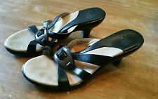 Sofft Black Leather Kitten Heels Womens Size 7M Sandals
