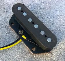 Telecaster Pastilla del puente, Bobina de fibra, imanes Alnico 5 (plana), placa base de acero