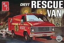 AMT 1/25 '75 Chevy Rescue Van (molded in white) Fire Dept Rescue AMT812