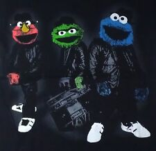 S black T-Shirt MUPPETS leather SNEAKERS jam box MUSIC cool guys ON STREET