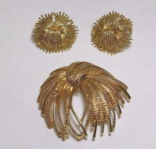 Vintage Monet Gold Tone Brooch and Pierced Earring Set