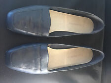 Enzo Angiollini women's navy blue flats/ shoes size 8 M