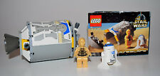 LEGO Star Wars  7106 Droid Escape w/ R2D2 and C3PO Mini Figures