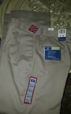 NEW DOCKERS Men's KHAKI Pants Relaxed Fit 34 x 30 Pleated Cuff No Wrinkle Beige