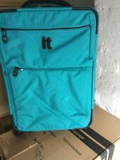 IT Luggage Worlds Lightest 4-Wheel Medium Turquoise Suitcase