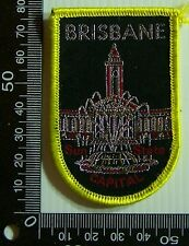 VINTAGE BRISBANE SUN STATE EMBROIDERED SOUVENIR PATCH WOVEN CLOTH SEW-ON BADGE