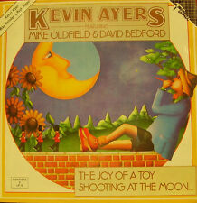 KEVIN AYERS FEATURING MIKE OLDFIELD & DAVID BEDFORD-THE JOY OF A TOY SHOOTING AT