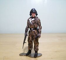 1/18 Ultimate Soldier German WWII late camo tank commander 21st century toys