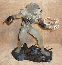 "McFARLANE 12"" STEALTH PREDATOR Action Figure with Base & Facehugger 2004 - loose"