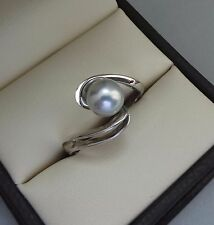 SLEEK 14K WHITE GOLD 7mm ROUND SILVER PEARL SOLITAIRE BYPASS RING - 3.8 GRAMS