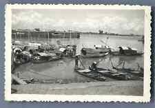 Vietnam, Bateaux traditionnels  Vintage silver print. Tirage argentique d&#039