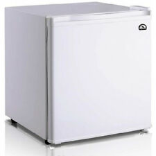 Igloo 1.6 Cubic Foot Compact Mini Bar Office Dorm Refrigerator Freezer White