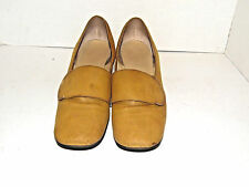 Vintage Town and Country Women's Pump Dress Shoes US Size 7
