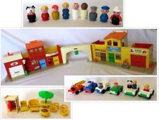 """Near Complete: Vintage 1973-77 FISHER-PRICE """"PLAY FAMILY VILLAGE"""" #997"""