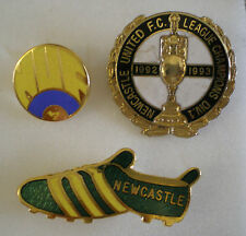 3 x NEWCASTLE UNITED FOOTBALL CLUB Enamel Lapel Pin Badges Lot No4
