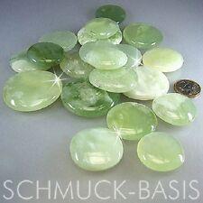 1 Stück China Jade Scheibenstein / Taschenstein / Handschmeichler (Grösse 4 cm)