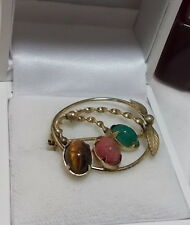 Dainty Vintage Gold Plated Christmas Wreath Red Green Stone Scarab Brooch Pin
