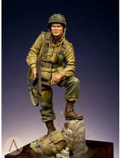 Scale 75 Lt Winters US Army WW2 75mm Unpainted Kit