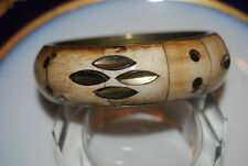 BEAUTIFUL OLD BOLD LARGE COUTURE GOLDEN BRASS OR METAL AND BONE BANGLE BRACELET