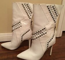 Guess Gwnyx White Studded Leather Zip Up Ankle Boots Womens Size 5M