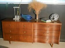 Mid-Century Curved & Straight Front, McCobb/Probber? dresser, Chest of Drawers