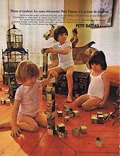 PUBLICITE ADVERTISING 064 1971 PETIT BATEAU sous vêtement pour enfants