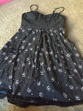 Nice women's size L Large CR Signature brand black white dress outfit