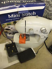 Sewing machine MINI STITCH 2 speed battery or mains foot pedal