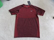 NEW MENS M MEDIUM NIKE RUNNING SHORT SLEEVE RED BLACK HEATHER KNIT SHIRT 717758