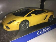 AUTOart 74586 LAMBORGHINI GALLARDO LP560-4 1/18 YELLOW SOME DAMAGE Please READ