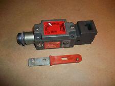 Euchner Safety Interlock Switch NZ1VZ-528E-M    USED