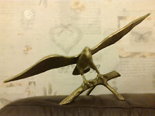 A MASSIVE BRASS EAGLE LANDING ON  BRANCH 47CM WINGSPAN 17CM HIGH STATUE ORNAMEN