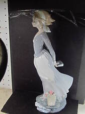 Lladro #4922 WIND BLOWN GIRL Retired w/ Box