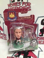 SOCCERSTARZ WEST HAM UNITED MATT TAYLOR GREEN BASE SEALED IN BLISTER PACK