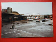 PHOTO  BUCKINGHAMSHIRE  BLETCHLEY RAILWAY STATION 1992 EXTERIOR