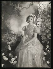 Photograph The Queen young Princess Elizabeth Black and White Photo (1)