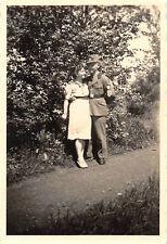 Foto Soldat Reichsarbeitsdienst 4/153 Seifhennersdorf in Uniform mit Verlobte