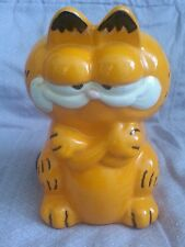 VINTAGE GARFIELD FIGURINE CERAMIC HAND PAINTED ARMS CROSSED COIN PIGGY BANK