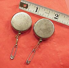 2 Pieces Magician Retractable Trick Vanishing Prop Coin 16 inch Pull Button Fast