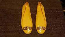 TORY BURCH WOMEN BALLET FLAT SIZE 9 M SOLID YELLOW RUBBER MADE IN ITALY.