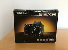 Fujifim S200EXR 12MP Super CCD Digital Camera