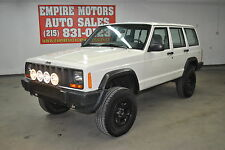 Jeep: Cherokee 4dr Sport 4W