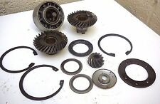 JOHNSON 60hp OUTBOARD ENGINE GEARBOX COGS, BEARING & PARTS - 3 CYLINDER 1970's