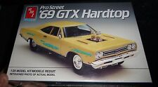AMT ERTL PRO STREET 1969 PLYMOUTH GTX HARDTOP 1/25 Model Car Mountain KIT FS