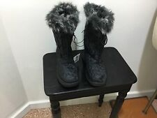 Ladies brand new quilted fur top size 8 winter boots