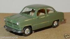 MICRO WIKING HO 1/87 FORD 12 M 1954 VERT CLAIR intérieur beige
